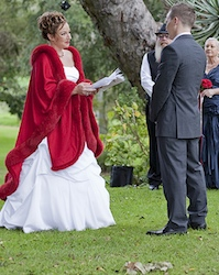Couple exchange vows at Caves House Yallingup