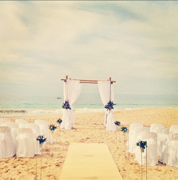 beach wedding in bunker bay