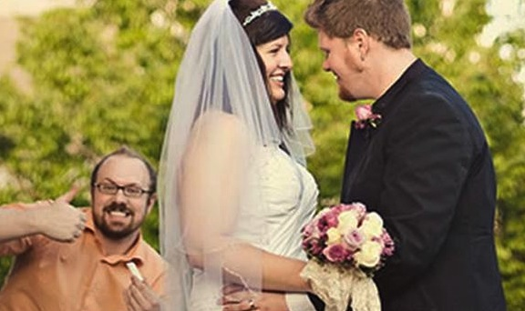 wedding officiant photobombs couple's first conversation